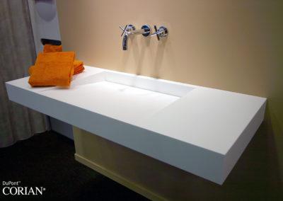 lavabo bagno corian inclinato