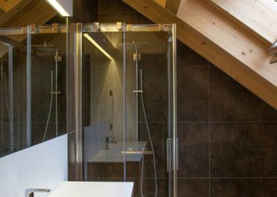 lavabo bagno corian e doccia
